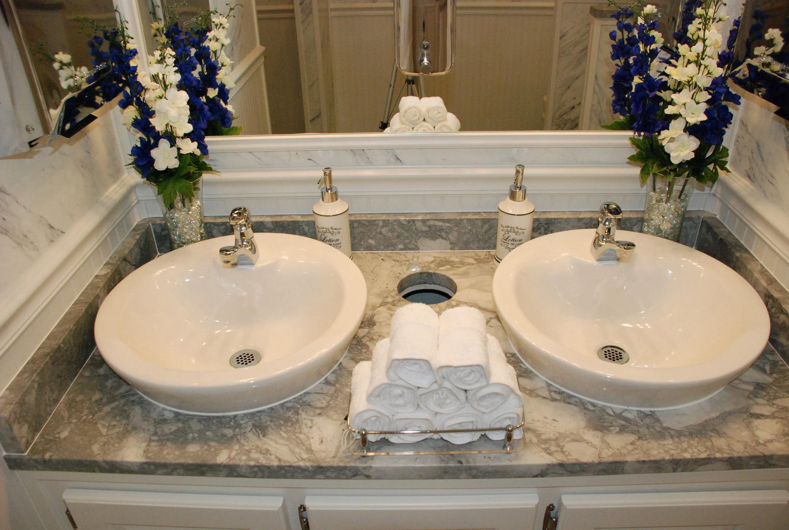 Bathroom Rentals 4 stall portable restroom trailers