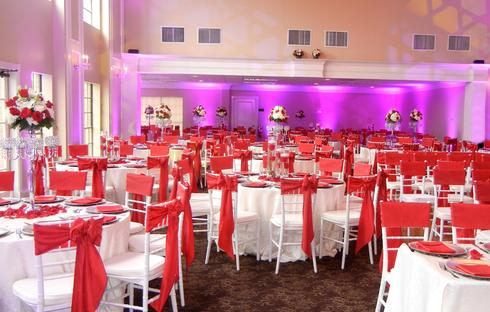 red and white rose centerpieces