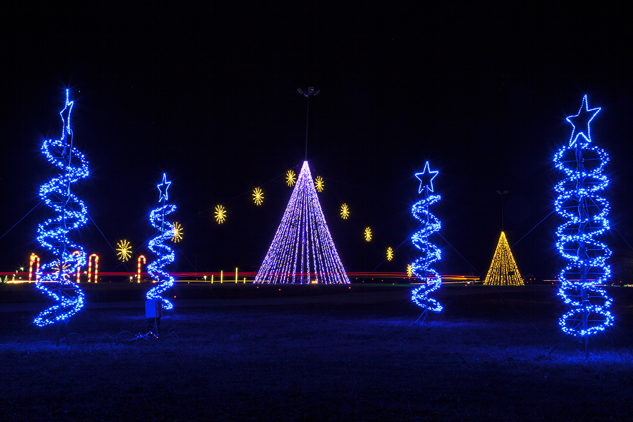 Illuminate Light Show & Santa\'s Village - Meadow Event Park in ...