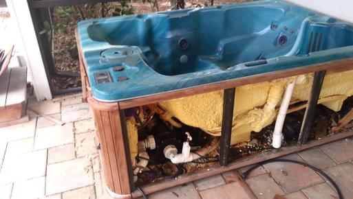 Hot Tub Removal Hot Tub Disposal Hot Tub Moving Hot Tub Recycling Service And Cost | Omaha NE | Omaha Junk Disposal