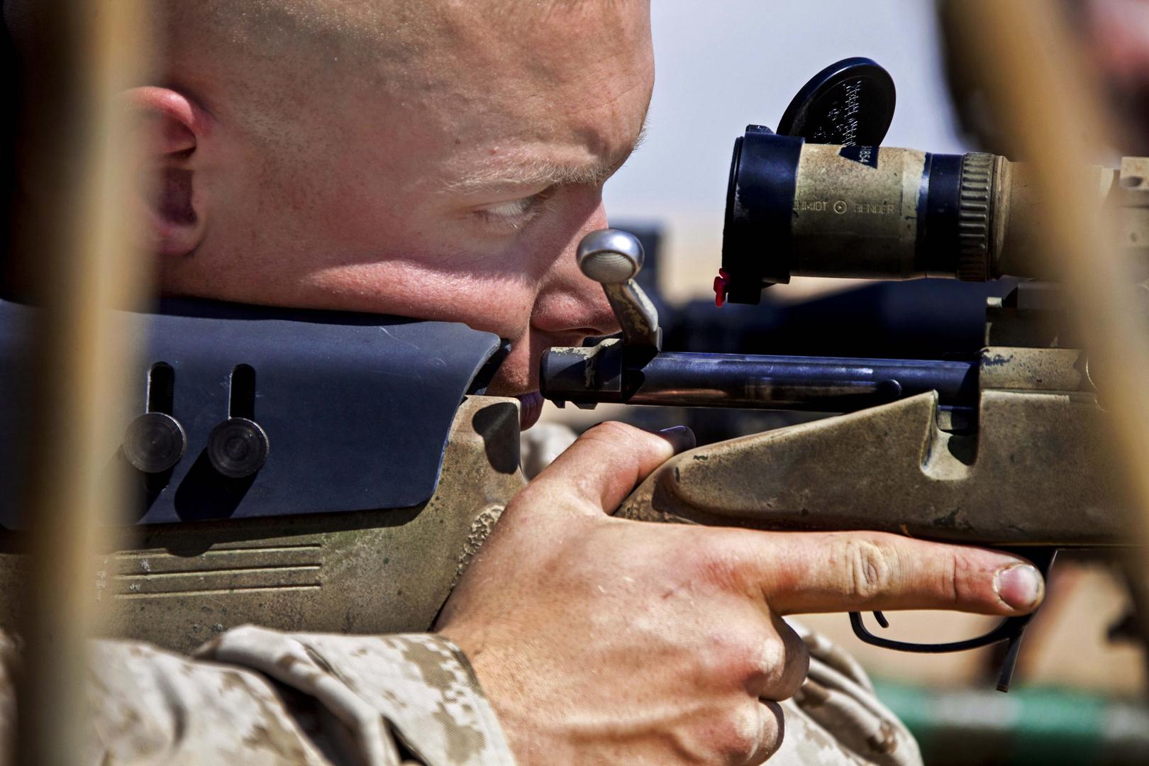 Британский снайпер «снёс голову» трём боевикам одним выстрелом из винтовки