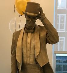 Living Statues-Gentleman Gold Statue at a Corporate Event