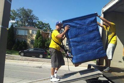 Leading Loading Unloading Help Service in Lincoln NE | LNK Junk Removal