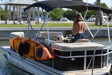 toonracker kayak and sup rack for pontoon boats