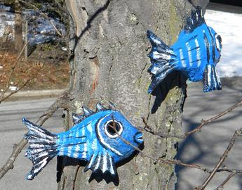 DIY Nautical Decor Fish shaped outdoor paper mache birdhouse. www.DIYeasycrafts.com