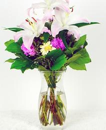 White Lily mixed bouquet | The Little Flowershop