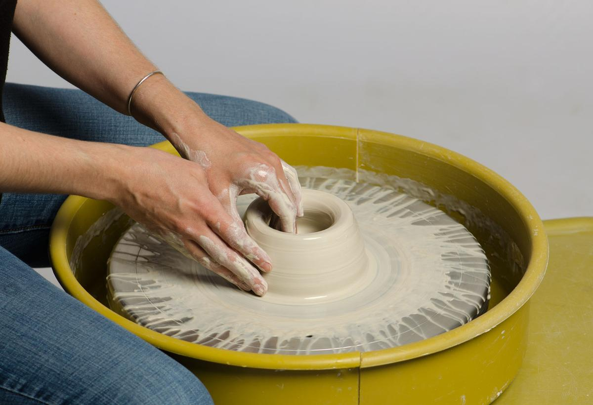 Community Clay Fall Semester potter wheelthrowing