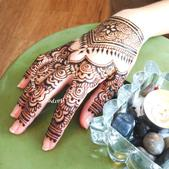 All henna designs are completed 100% freehand at Island Girl