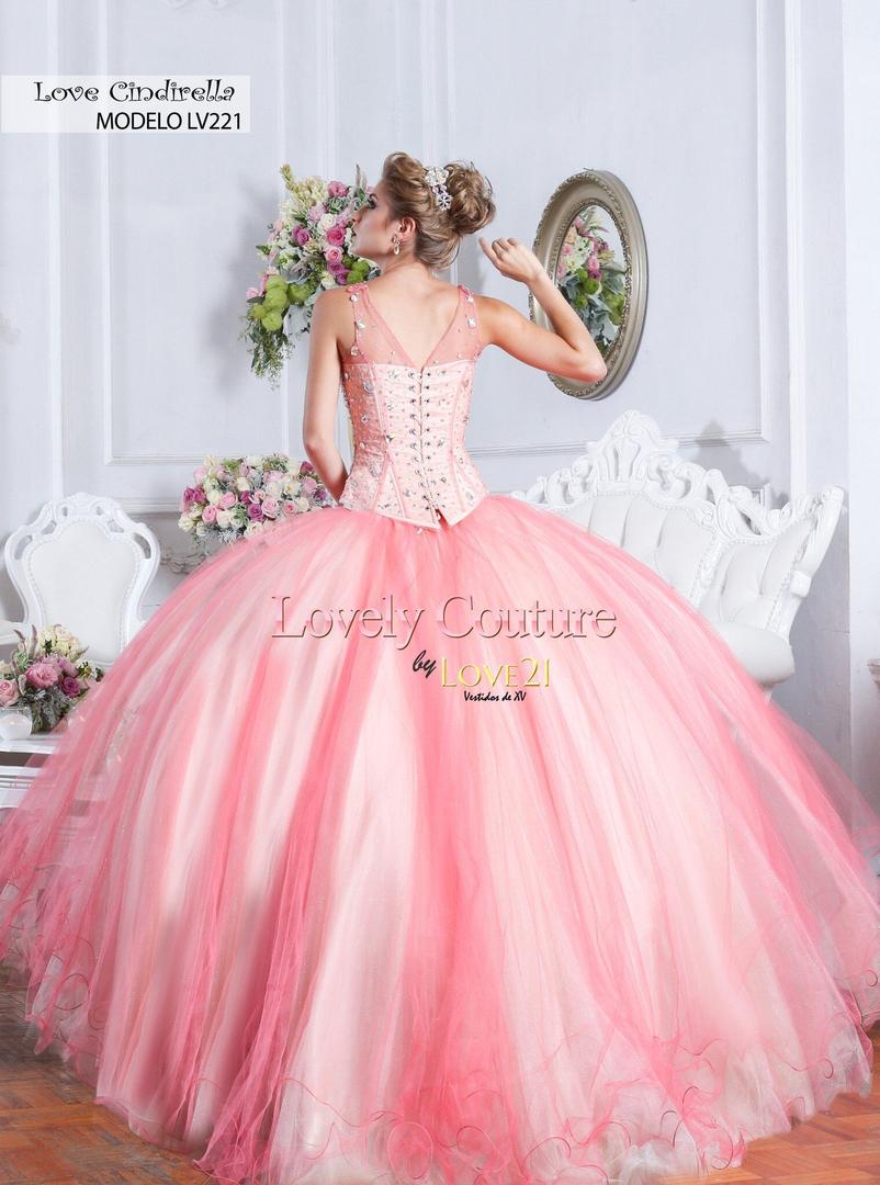 Vanessa\'s Boutique - Prom Dresses, Formal Wear