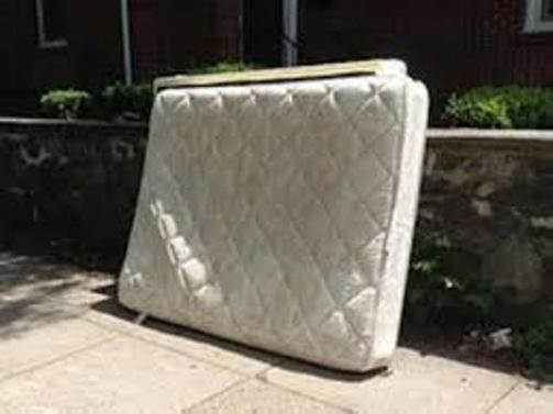 Quick Mattress Removal Mattress Haul Away Service in Papillion NE | Omaha Junk Disposal
