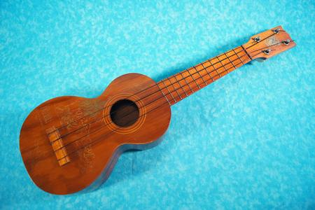 Malolo Ukulele Richard Lee Engraves