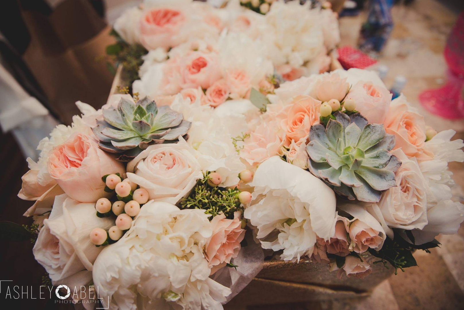 Home full service connecticut florist offering beautiful fresh floral designs for all occassions izmirmasajfo