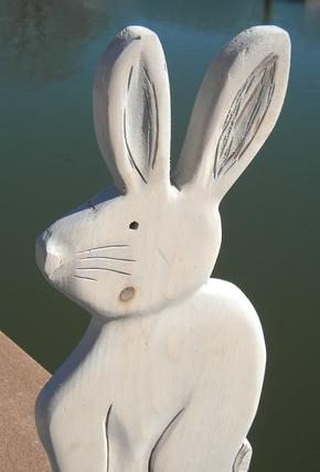 How to easily make a DIY wood Easter Bunny. FREE step by step instructions. www.DIYeasycrafts.com