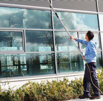Best Weekly Window Cleaning Services and Cost in Edinburg Mission McAllen TX | RGV Janitorial Services