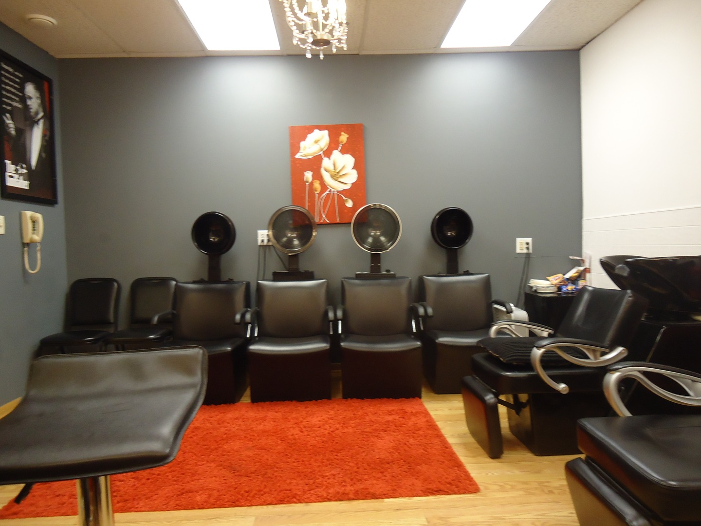 How do you find salon spaces for rent near you?
