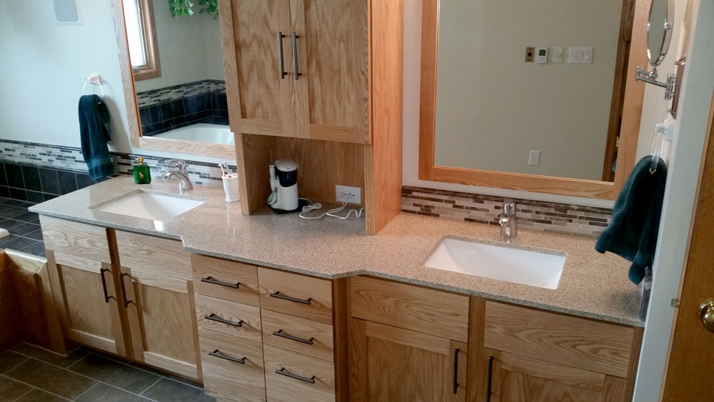 BATHROOM REMODELING IN DES MOINES  IA AND SURROUNDING AREAS. IOWA