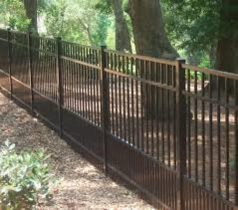 Aluminum Fence Installation Service and Cost in Edinburg McAllen TX | Handyman Services of McAllen
