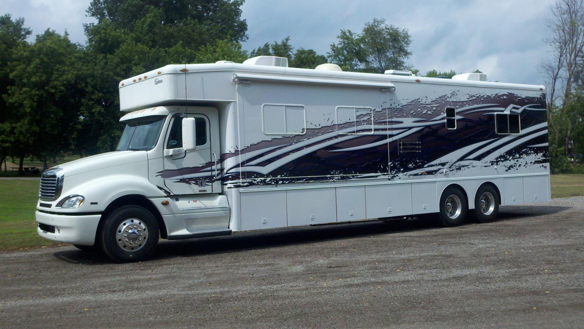 Semi, Bus, Trailer and RV Wraps