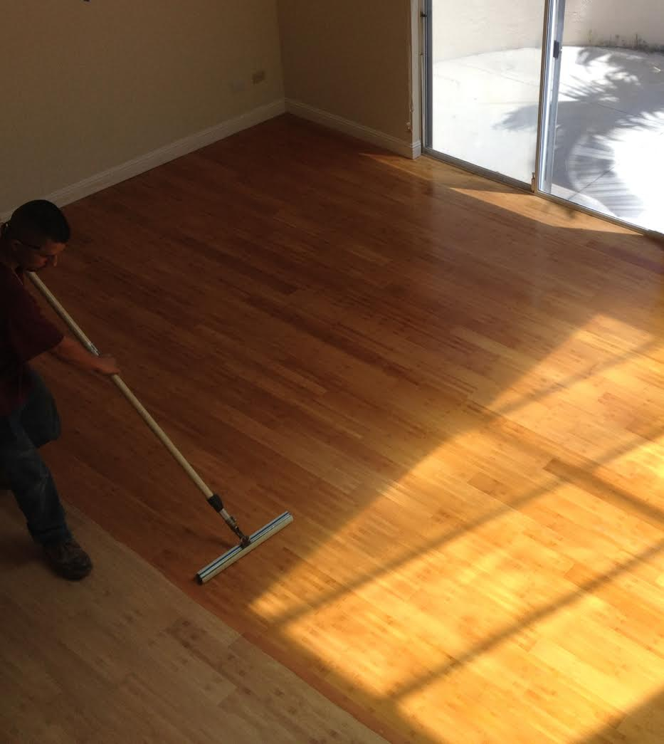 install floor to carpenter wooden a hardwood for steps preparing installers wood installation laying