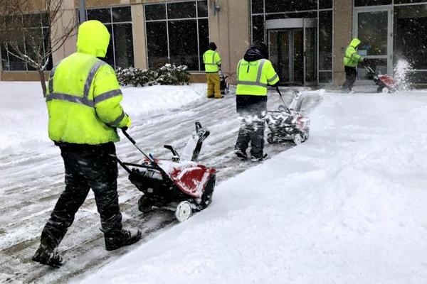 SNOW REMOVAL CONTRACTOR BENNET NEBRASKA