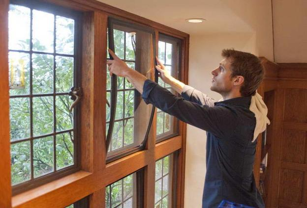 HOUSE WINDOW REPAIR AND INSTALLATION