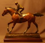 bronze thouroughbred sculpture of Seabiscuit