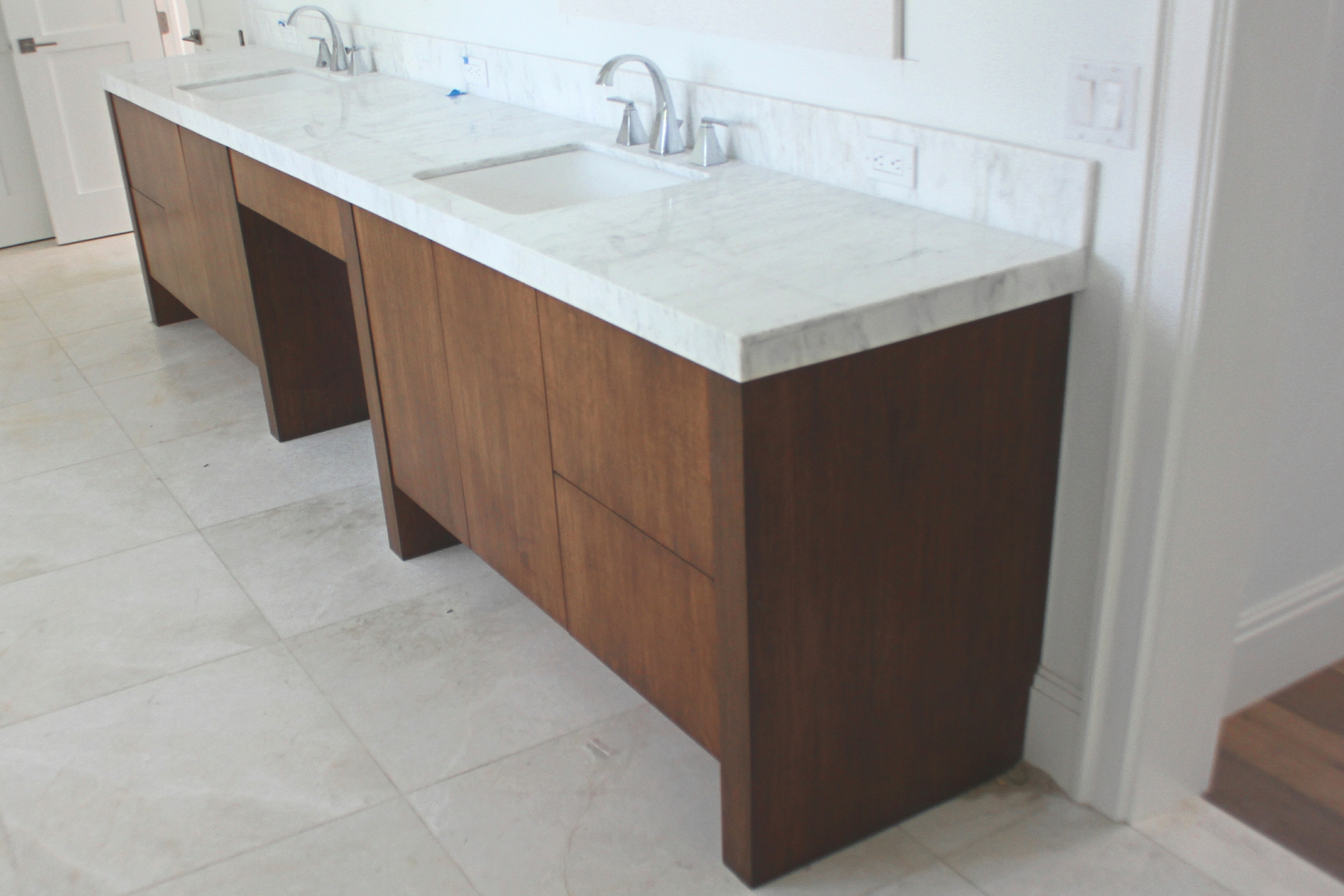 Quality custom cabinets furniture and woodwork - Fine Cabinetry Closet Systems Furniture Wood Finishing