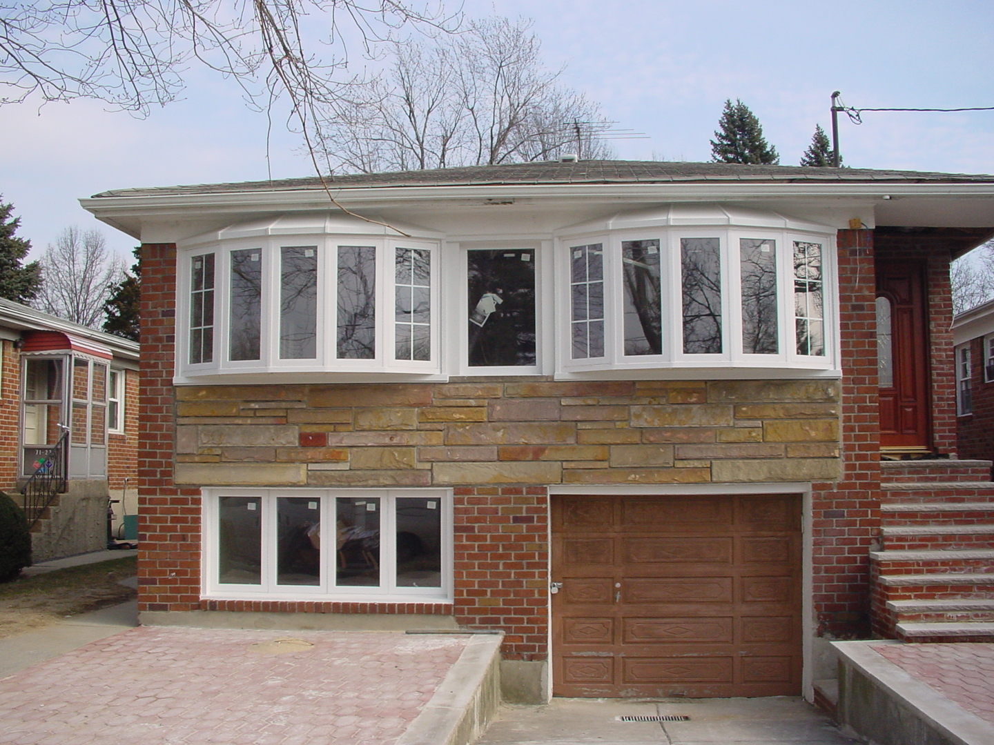 bow bay window each of us can independently complete the doors and windows projects we will not hand over important projects to the workers to ensure