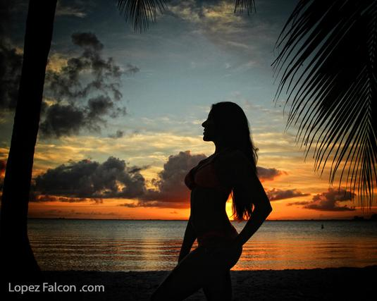 BOLLYWOOD INDIAN QUINCEANERA SUNSET QUINCES PHOTOGRAPHY MIAMI BEACH PHOTO STUDIO