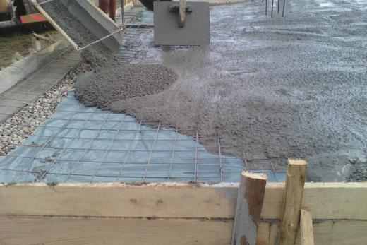 Best Pouring Concrete Sidewalk Service and Cost in Council Bluffs IA| Lincoln Handyman Services