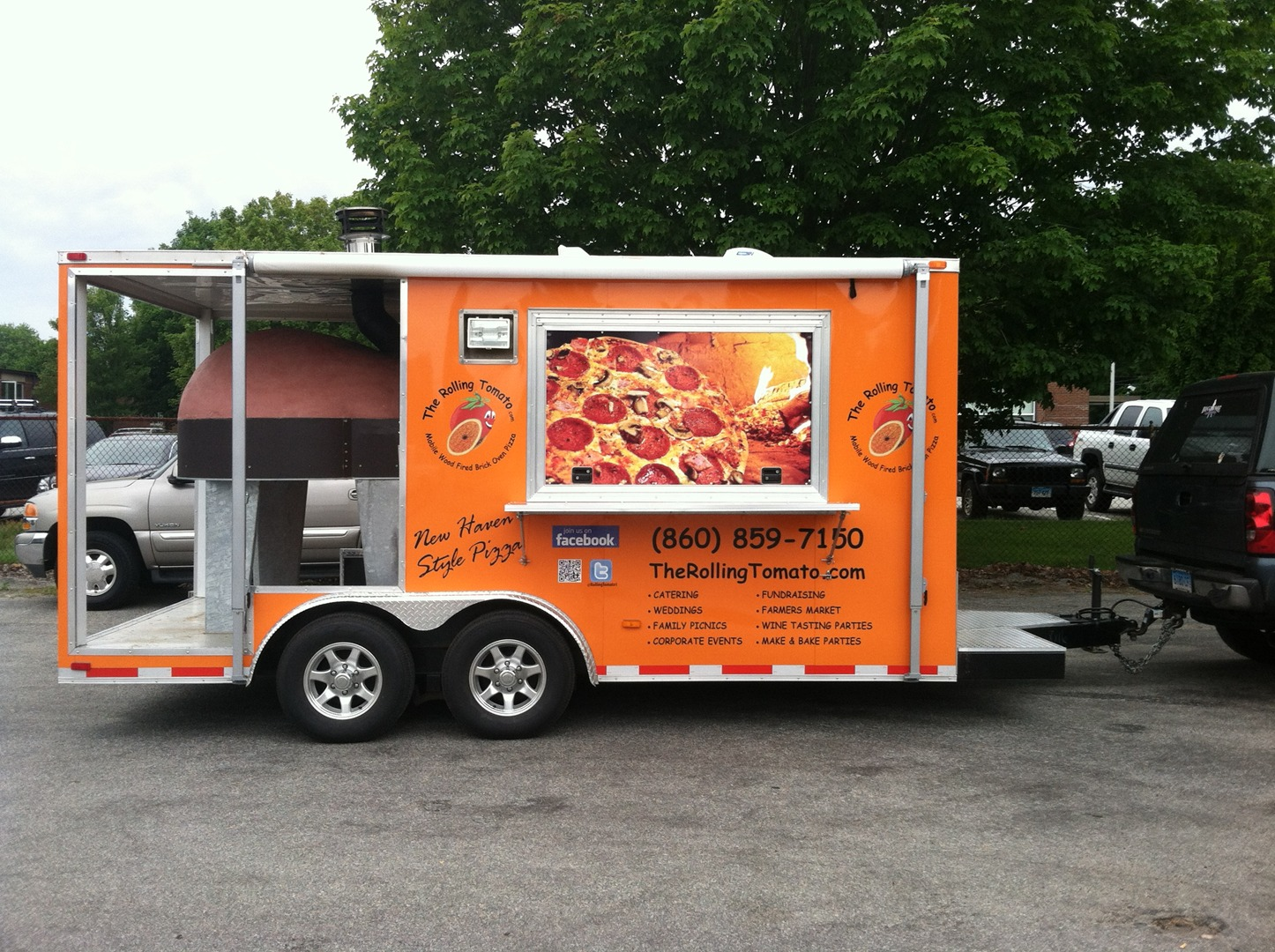 Groton CT The Rolling Tomato Wood Fired Pizza Mobile Catering