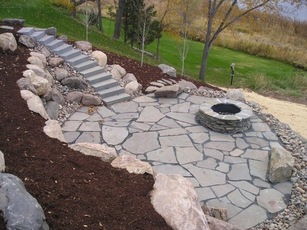 flagstone patio design - red flagstone patio with outdoor ... - Natural Stone Patio Designs