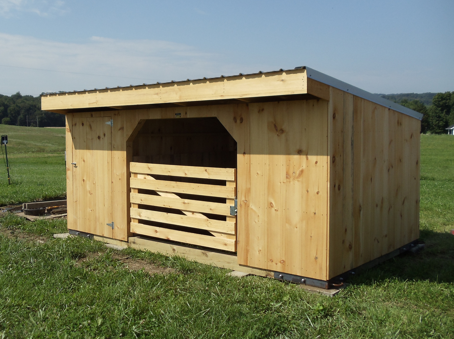 amazing sheds run superonlinesaver horse in shed com kits x