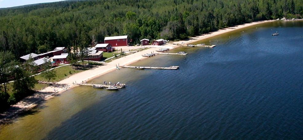 Home for Ontario drive in fishing lodges