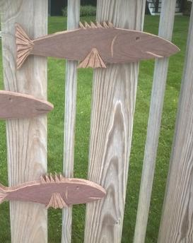 DIY Fence Fish made from recycled Trex. www.DIYeasycrafts.com