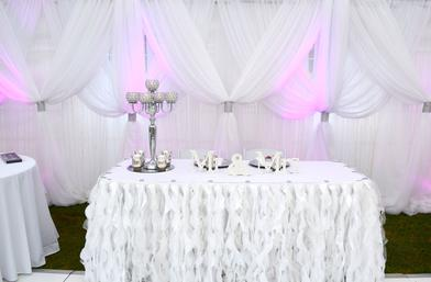 MR. & MRS CURLY TABLE