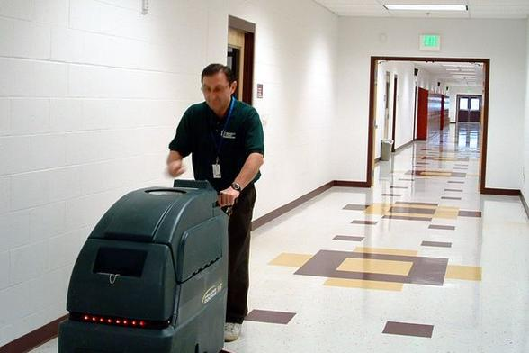 Leading Building Floor Cleaning Services in Omaha NE | Price Cleaning Services Omaha