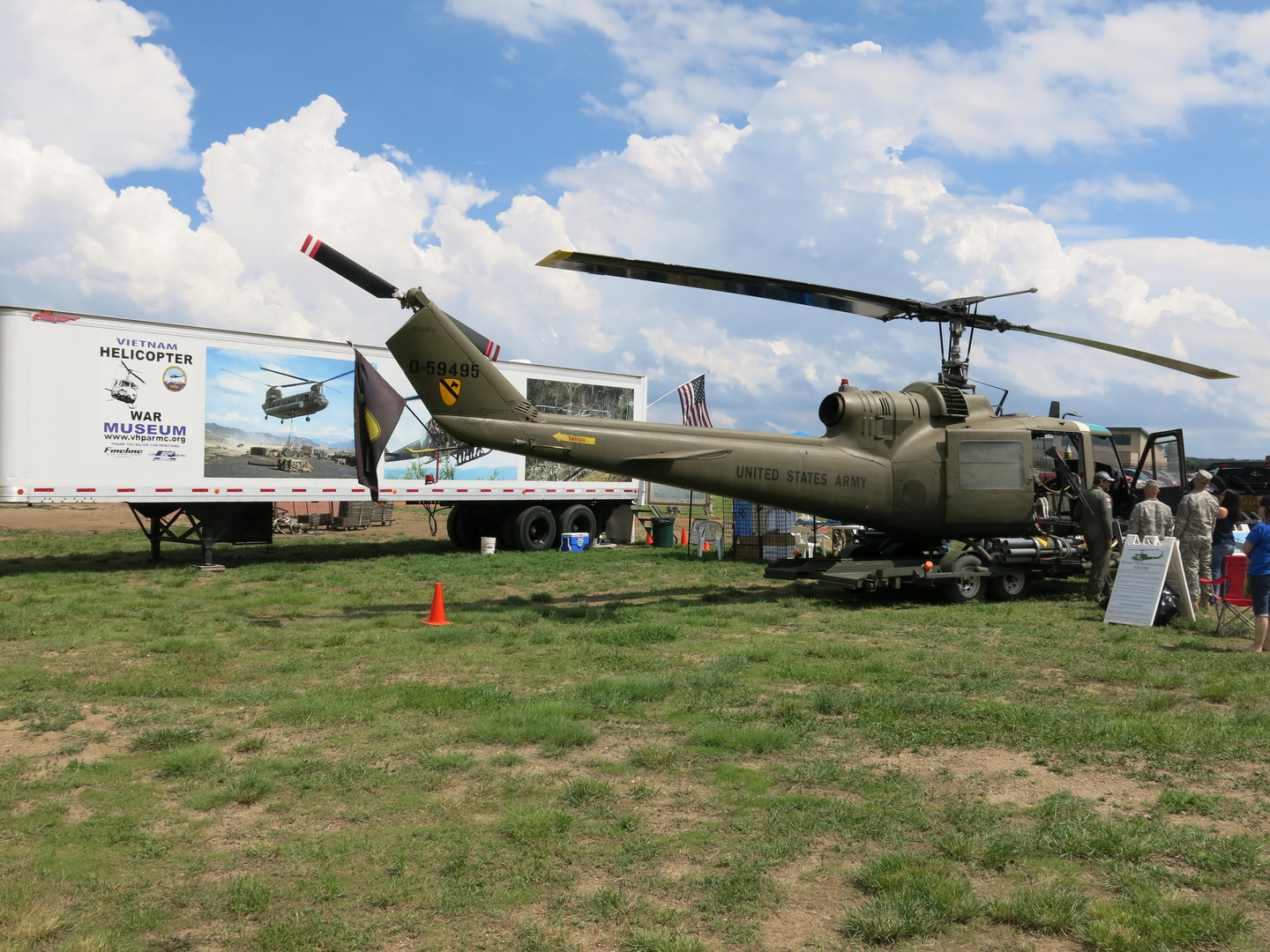 helicopter war museum
