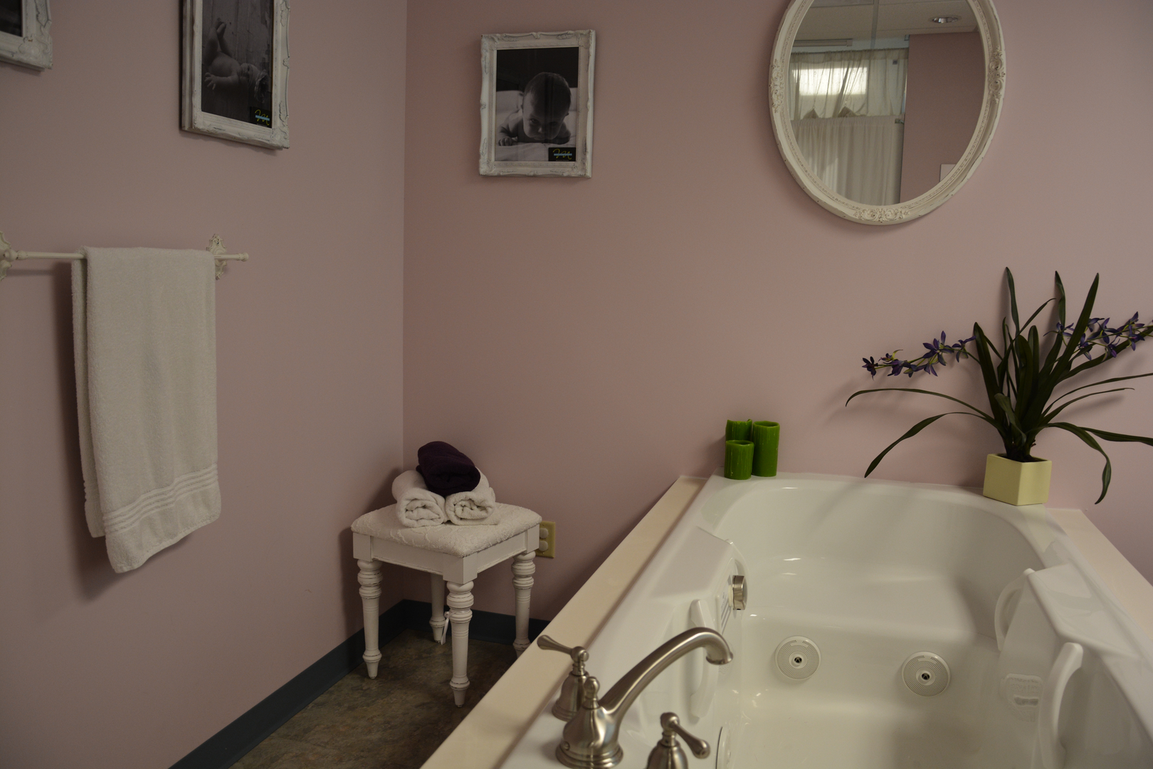 Birth tub at Infinity Birthing Center water birth nashville delivery options