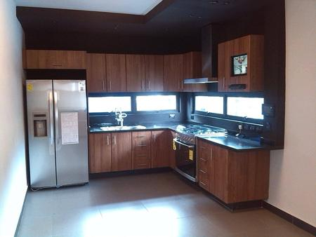Puertas de madera cocinas integrales closets de madera for Mostrar cocinas modernas