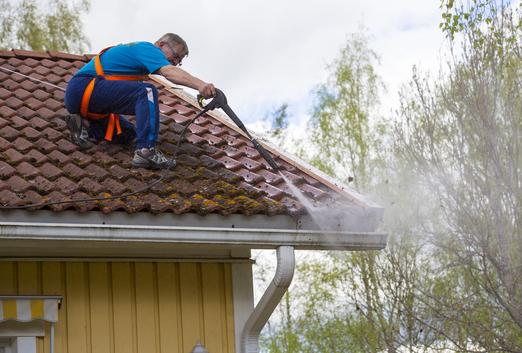 GUTTER CLEANING GUTTER REPAIR KEARNEY NEBRASKA
