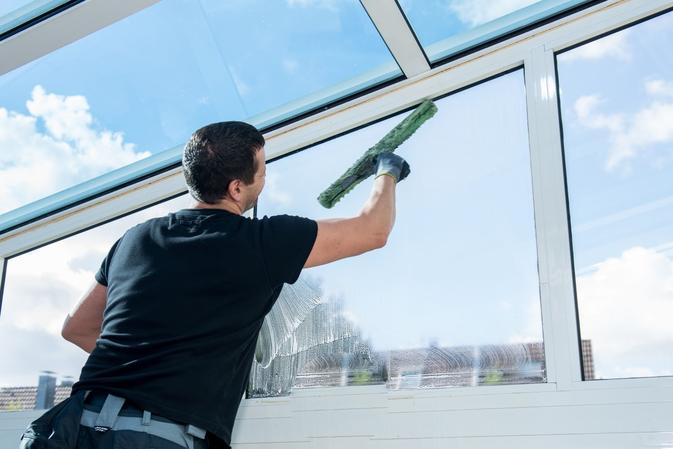 Best Office Window Cleaning Service in Omaha NE | MGM household service