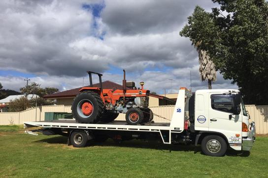 MACHINERY TOWING SERVICE
