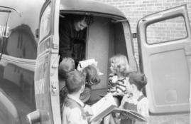 Local Children enjoy Bookmobile in 1990s