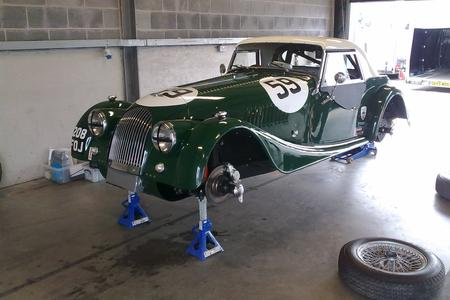 garage andreas events, morgan +4 supersports, donnington racing,classic car garage, sw france