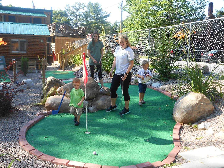 putterfingers miniature golf and arcade