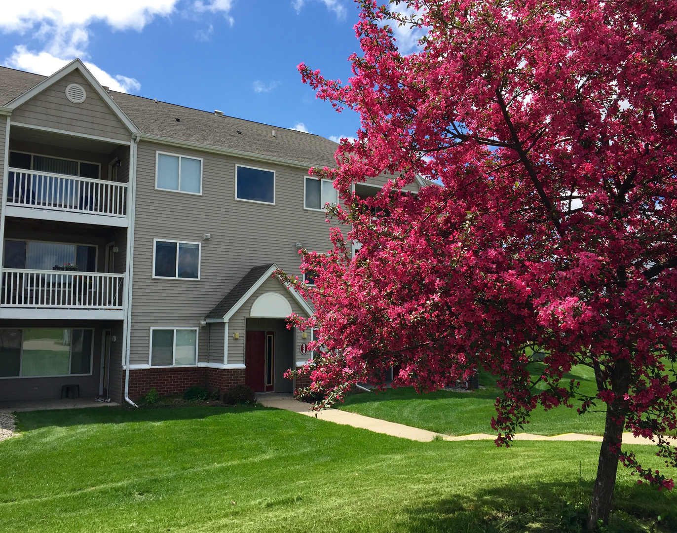 Bayberry Pointe - Community, Apartment Leasing, Apartment Rentals