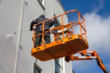pressure washing building exterior