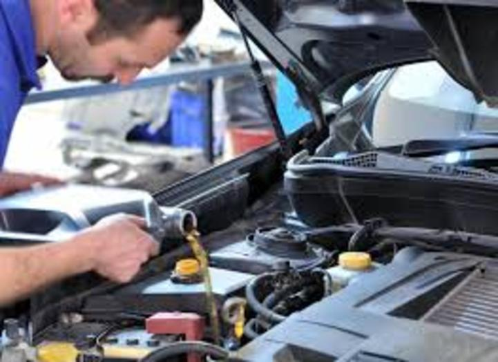 Mobile Oil Change Services And Cost In Las Vegas