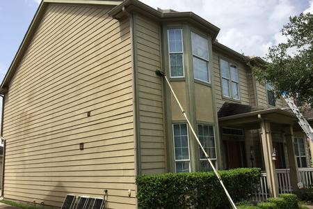 Window cleaning in Cypress Texas